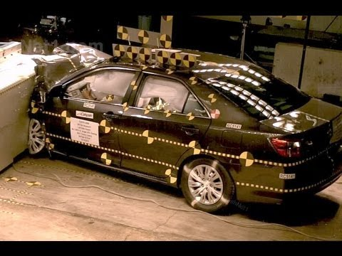 2012 Toyota Camry | Frontal Oblique Offset (35% Overlap, Driver) Crash Test by NHTSA | CrashNet1