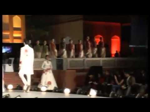 'Huts to High Street' Khadi Fashion Show in Ahmedabad Gujarat