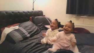 Twin babies dancing ♥ ♥ ♥ ♥