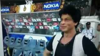 Must see. Sharukh making fun of Match official @ CSK vs KKR match