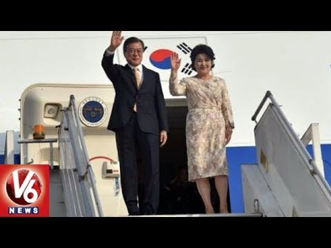 South Korean President Moon Jae-In Arrives In India For 4 Day Visit | V6 News