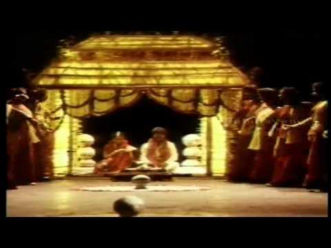 Vaadi Saathukodi - Puthiya Manargal video