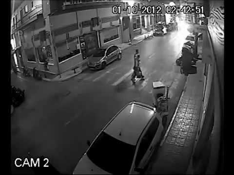 Снес припаркованный автомобиль / Car accident caught on security camera
