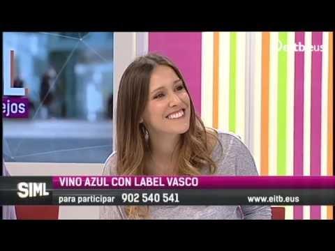 Adela Ucar habla con jóvenes emprendedores