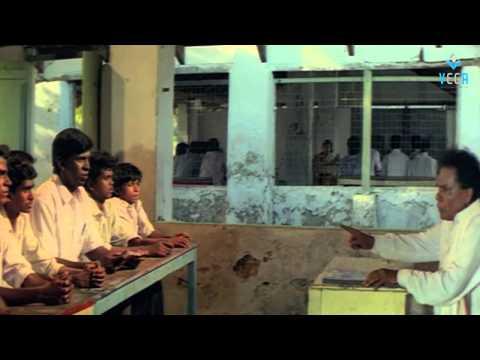 Rajavin Paarvayile Vadivelu Comedy Scenes - 2 video