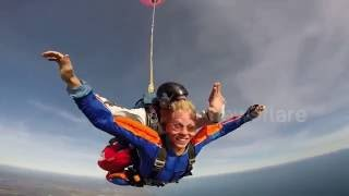 Skydiver has a terrible experience with malfunction parachute