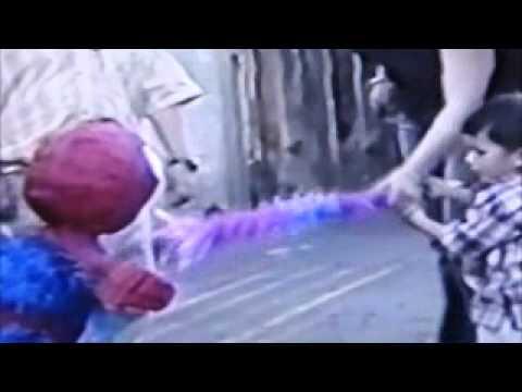 Thumbnail of video spiderman piñata