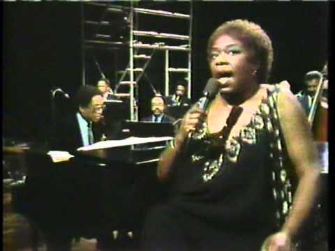 Ella Fitzgerald - I Let A Song Go Out Of My Heart