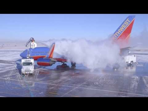 How to De-Ice a Plane feat. the Southwest Airlines Icemen!