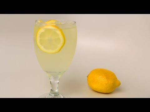 Homemade Lemonade Recipe - Laura Vitale - Laura in the Kitchen Episode 409