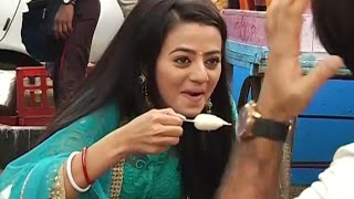 Swaragini | Swara Enjoying Icecream On Shooting Location | 24th Nov 2015