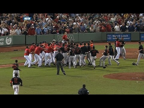 Gregg, Papi exchange words as benches clear