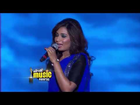 Shreya Ghoshal Singing Saans Mein Teri At Mirchi Music Awards