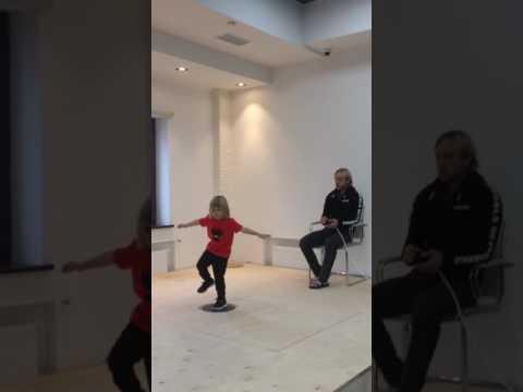 Евгений Плющенко с сыном Александром. Упражнение на баланс.Академия Плющенко 26.06.17