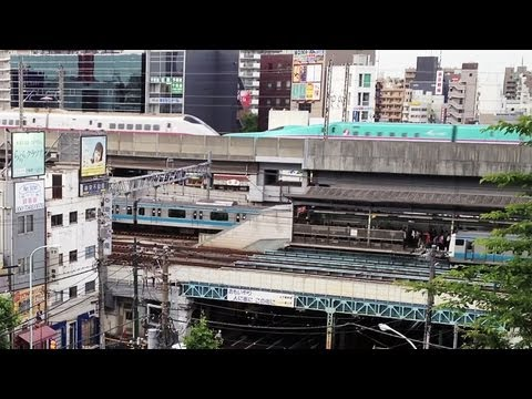 How Many Trains and Trams Do You See? ~Tokyo s Busy Train Schedules~ [iPhone 4S/HD]