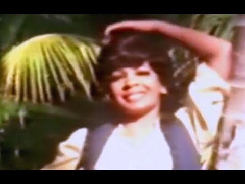 Shirley Bassey - Love Is In The Air