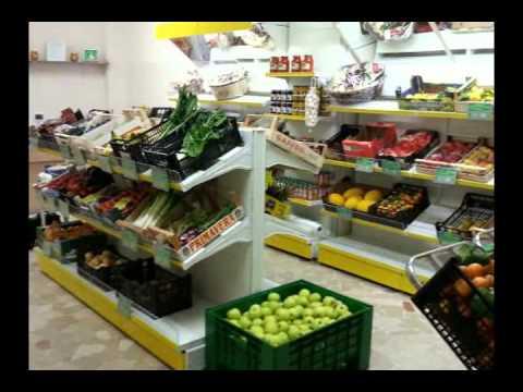 Arredamenti per la frutta e verdura youtube for Arredamento ortofrutta