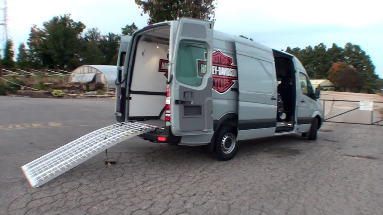 Hanvey Cv Toy Hauler W Living Quarters Amp Room For Your
