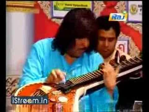 RAJHESH VAIDHYA - Chennayil Thiruvayaru 21Apr08 part 2a