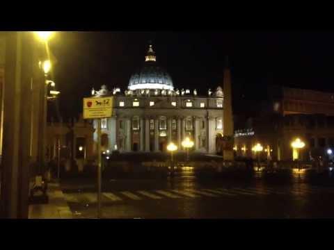 Prete ubriaco, Vaticano, estate 2014 - Drunk priest, Vatican, summer 2014.