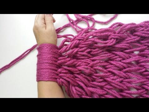 Bufanda infinita con las manos / Infinite scarf with your hand ...