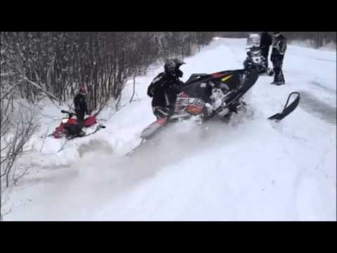 2013 polaris assault switchback sawing up the pow pow and owning the ditch