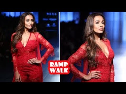 Malaika Arora Ramp Walk | Latest Bollywood Movies News 2017