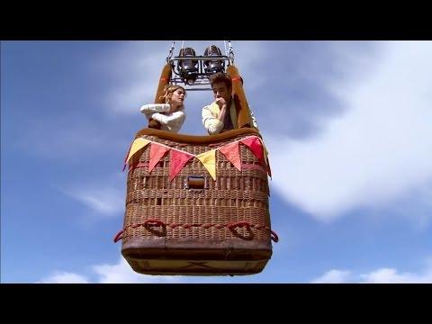 Violetta 3 - Se les suelta el amarre del globo a León y Violetta (03x02)
