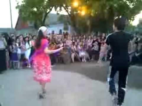 Нохчи ловзар-Парень четко танцует!.3gp