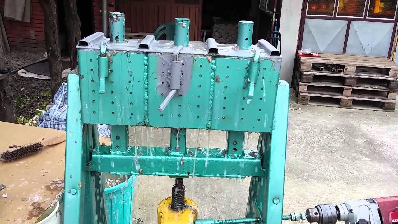 Пресс для топливных брикетов из навоза 180