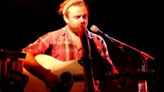 Watch Xavier Rudd Gba video
