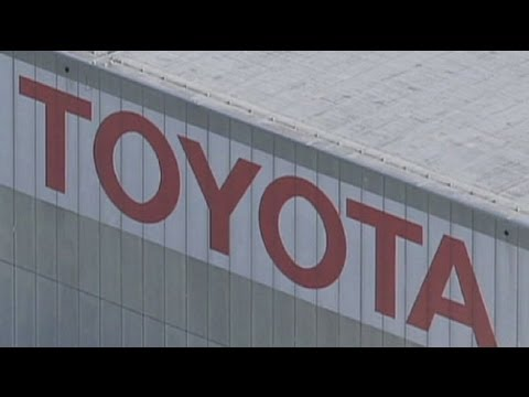 Toyota looks to profit boost
