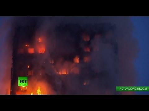 Devastador incendio en Londres consume una torre residencial (EN VIVO)