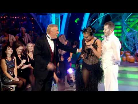 Holly Valance & Artem Chigvintsev - Strictly Come Dancing 2011 / Week 5 - Performance & Votes