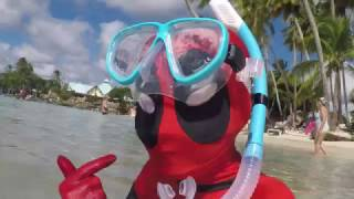 KID DEADPOOL VS.THE CARIBBEAN!  VACATION TIME