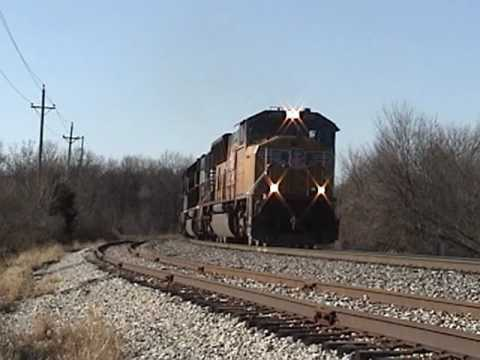 BNSF Mixed Freight in Quincy, IL 12/11/09 with Another Awesome Lashup