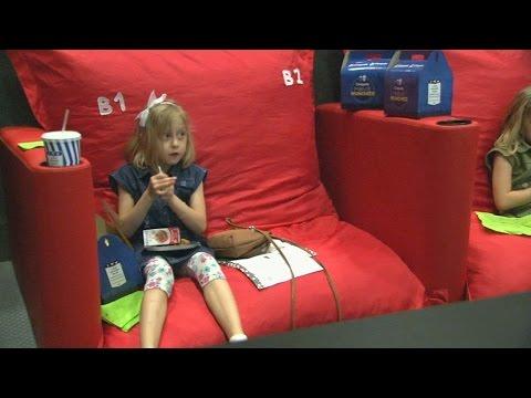 Кинозал с игровой площадкой приучает детей ходить в кинотеатр (новости)