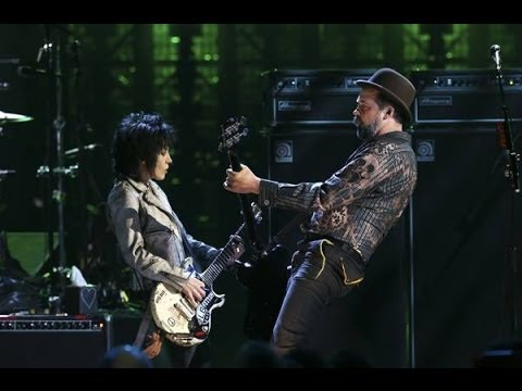 Joan Jett and Nirvana Rock and Roll Hall of Fame 2014