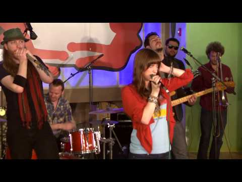 The Treehouse Sessions - Sister Sparrow and the Dirty Birds