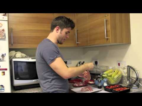 Joe Sexton - Fat Loss MasterChef - Goats cheese stuffed chicken wrapped in bacon