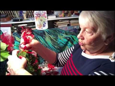 Украшение новогоднего венка - часть 1