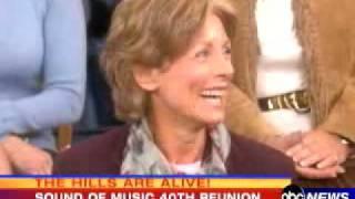 Sound of Music - 40th Reunion - Julie Andrews & 7 Children