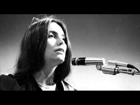 Emmylou Harris - A Love That Will Never Grow Old