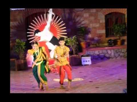 Ya Ya Ind Ya Mayaya Baila Round By Pavintha video