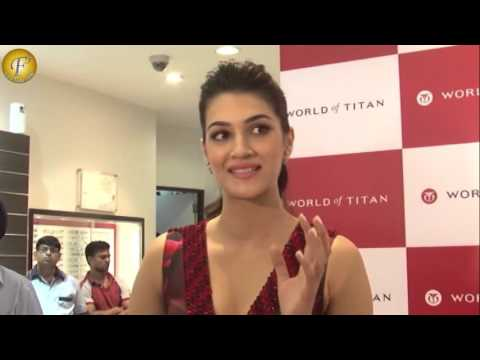 """""""DIWALI CELEBRATIONS WITH CELEBRITY KRITI SANON AND HER FANS AT WORLD OF TITAN"""""""