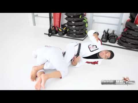 GRACIEMAG.com: Andre Galvao teaches the deep half guard killer Image 1
