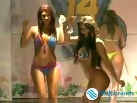 Karachi Girl In Hot Dance.flv video
