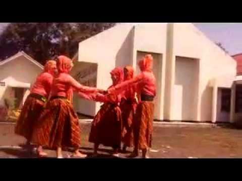 Tari Kaulinan Barudak | Cingcangkeling video