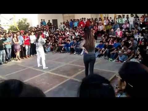 Competition College girl dance on Mundaa badnaam ho gya...new 2017
