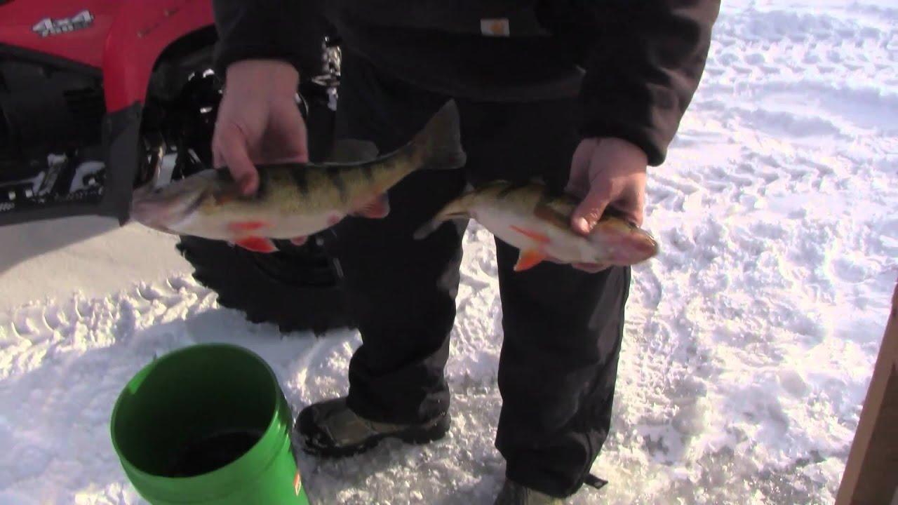 Ice fishing little bay de noc on lake michigan youtube for Bay de noc fishing report